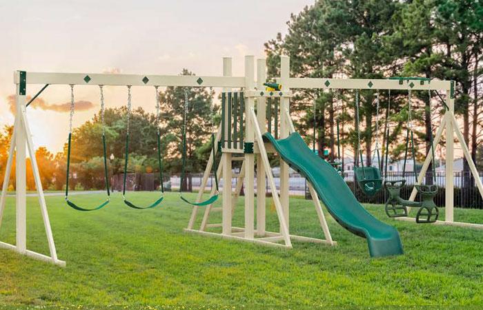 backyard swing set with five swings for sale in md