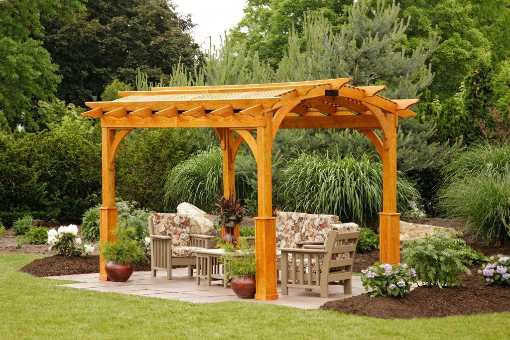 amish wooden pergola in maryland backyard